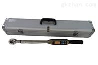 峰值数显电子扭矩扳手检查车轮螺栓的扭矩