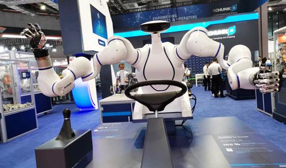 募资18亿!国产机器人龙头加码半导体领域自动化