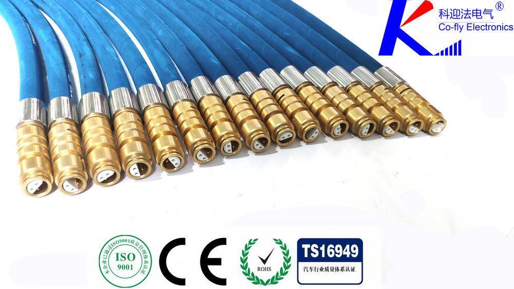 <strong><strong><strong><strong><strong><strong><strong><strong>矿用电缆连接器</strong></strong></strong></strong></strong></strong></strong></strong>,是电气开关移动变电站等设备中较常用的一款连接产品,连接器由插头部件和插座部件两个主体部件组成。每一部分又包括电缆引入系统和接线座及绝缘子,插座部件安装在机台或其他需要交流电压为10KV、电流至500A及以下的设备上,由插头部件与电缆安装后,通过三根连接导电杆插入插座,将馈电输入需提供电源的设备上。另外用两个插头部件相连接起电缆间连接耦合作用,插头部件与电缆安装后,必须用环氧树脂冷浇注剂填料灌满插头内腔空间,待固化后方可使用。连接器电缆引入装置备有螺旋式与压条式两种,以备选用。